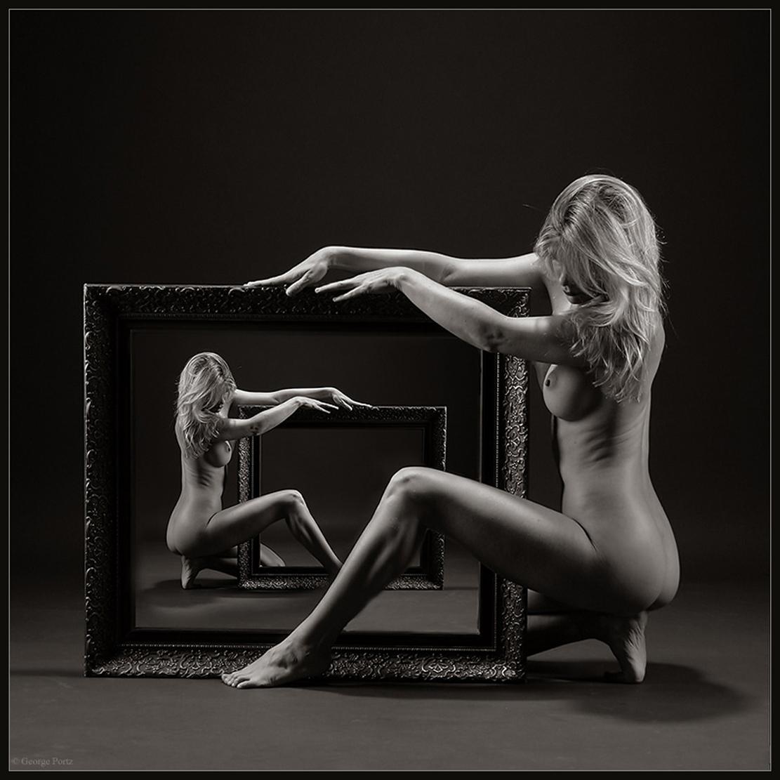 Черно белые фото обнаженных девушек 13 фотография